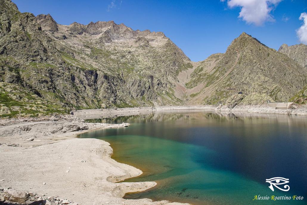 Entracque, lago del Chiotas ripreso dalla spiaggia