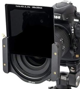 Filtro fotografico a lastra montato su una reflex nikon